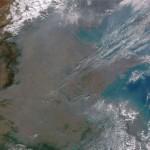 آلودگی در چین در اکتبر 2013 چین با ذرات غبار NOAA و NASA پوشیده شده بود.